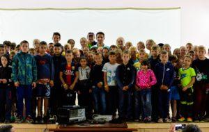 Лагерь «Олимпиец» посетил бывший хоккеист Эдуард Першин