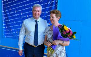 Генеральный директор ПАО НКНХ поздравил тренера с днём рождения